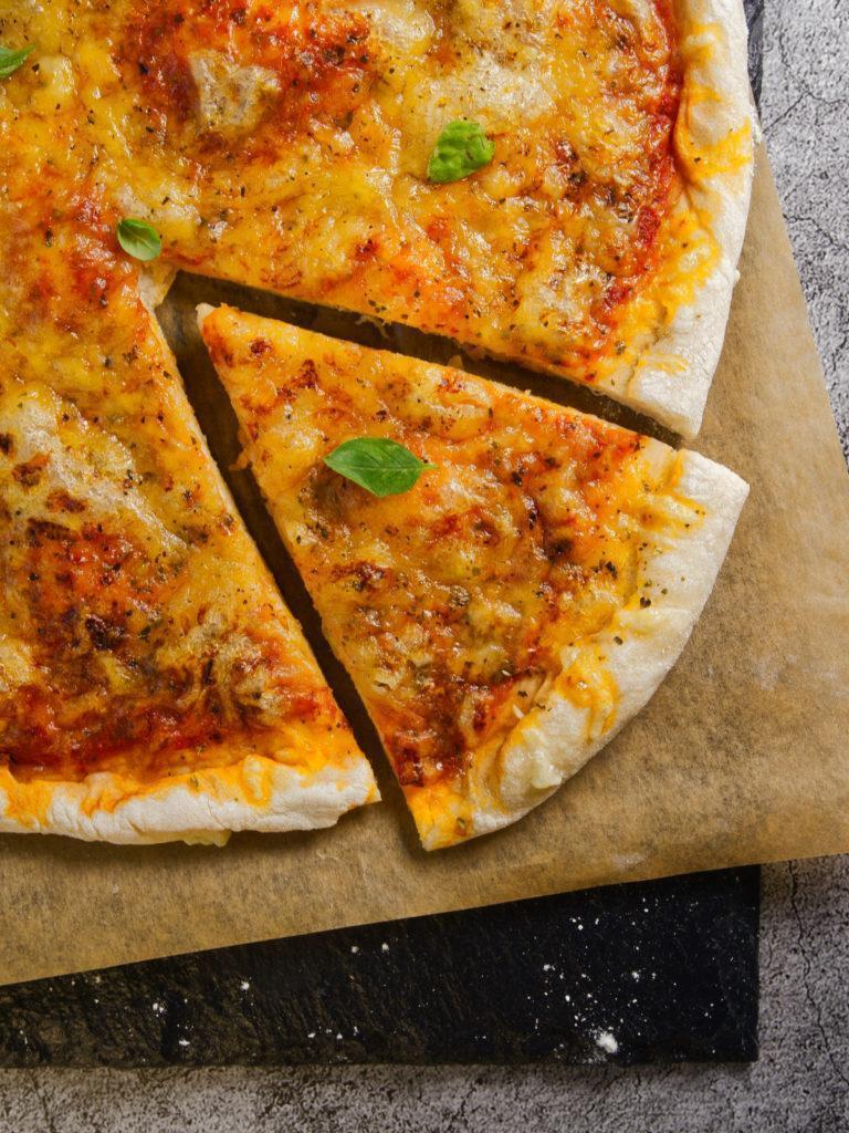 Pizza Margherita mit Dinkelmehl