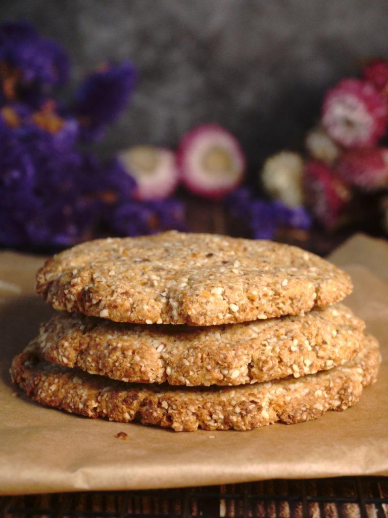 Einfache vegane Cookies mit getrockneten Aprikosen